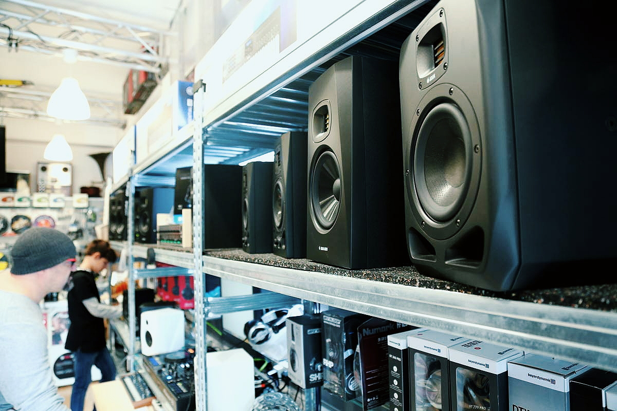 About Ola DJ Cyprus - DJ and sound equipment, DJ lessons and